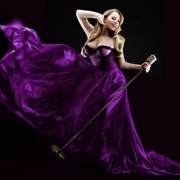Veronica Blacklace caberet singer b